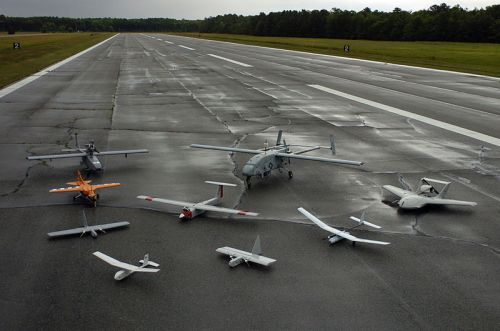 Group_photo_of_aerial_demonstrators_at_the_2005_naval_unmanned_aerial_vehicle_air_demo